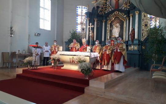 Sutvirtinimo sakramentas Kėdainių Šv. Juozapo bažnyčioje